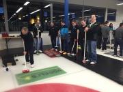 WIRAG Team beim Curling spielen